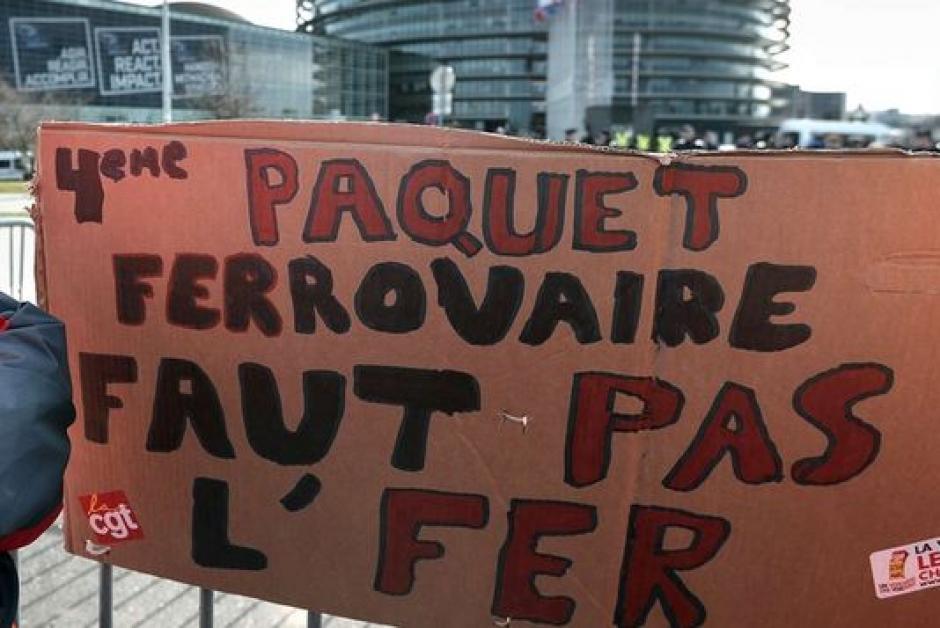 Au côté des cheminots en lutte, la Fédération du Parti Communiste Français du Bas-Rhin défend le service public du rail, les salariés et les intérêts des usagers